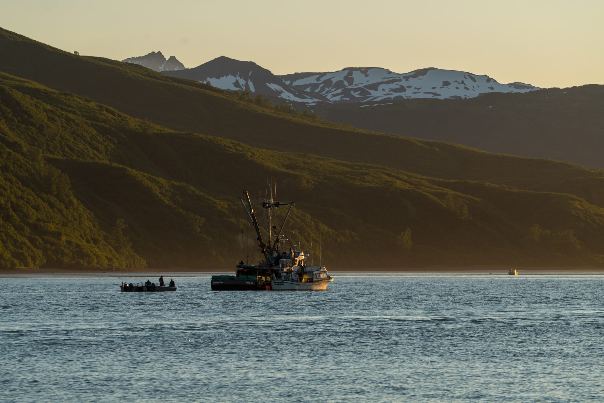 alaska-commercial-fishing-boats-snug-harbor-DSC06320