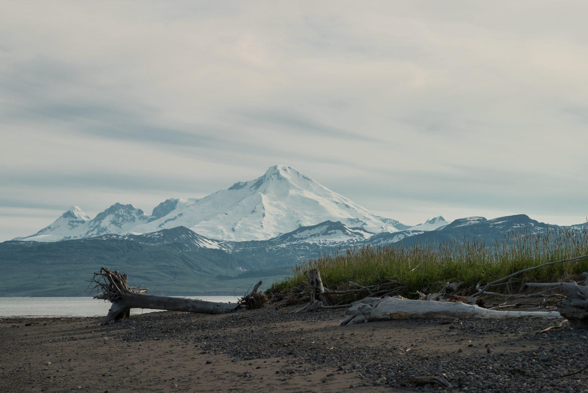 alaska-crescent-river-iliamna-mountain-vacation-fishing-salmon-snug-harbor-DSC06875