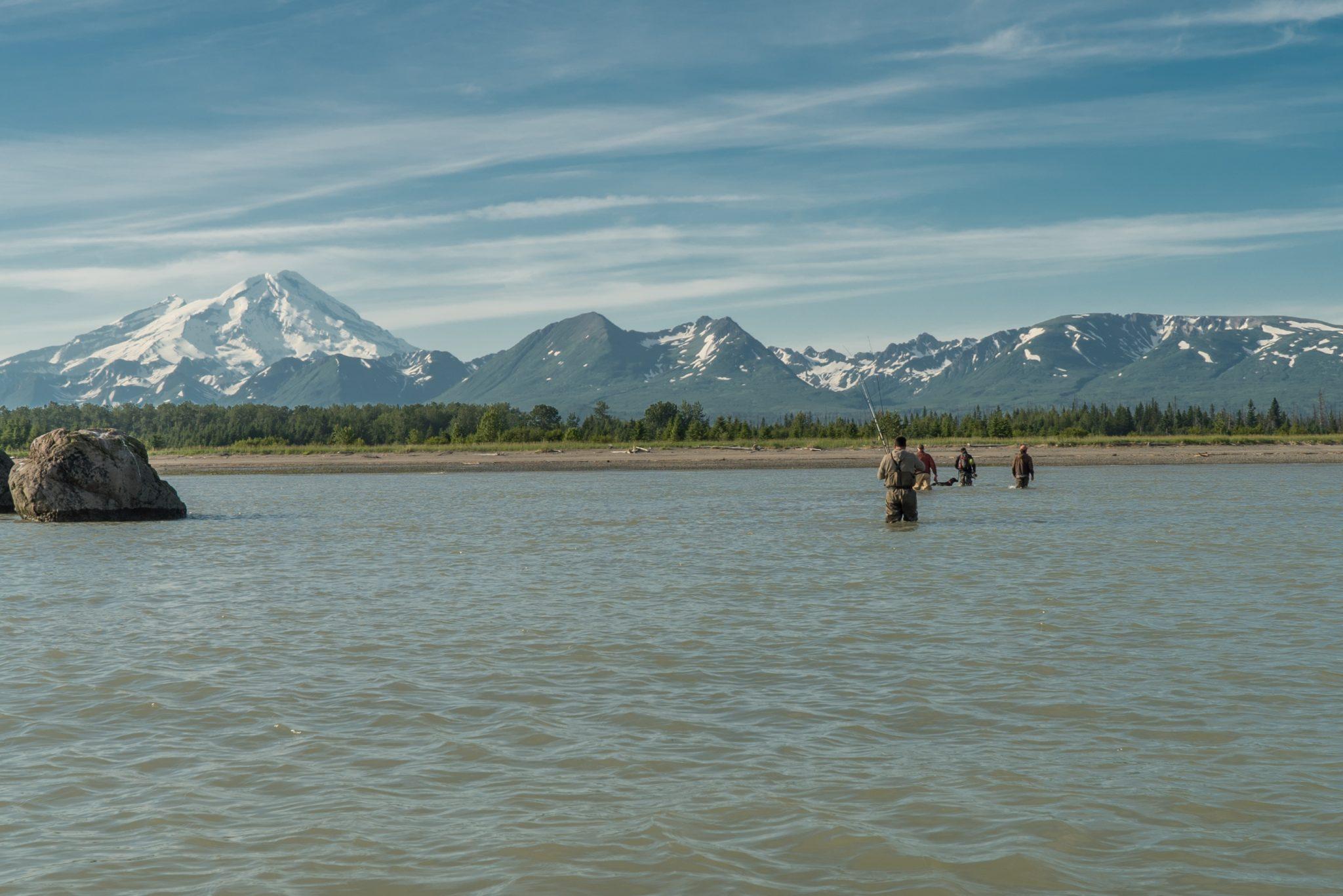 alaska-fishing-vacation-mountain-salmon-snug-harbor-DSC06844