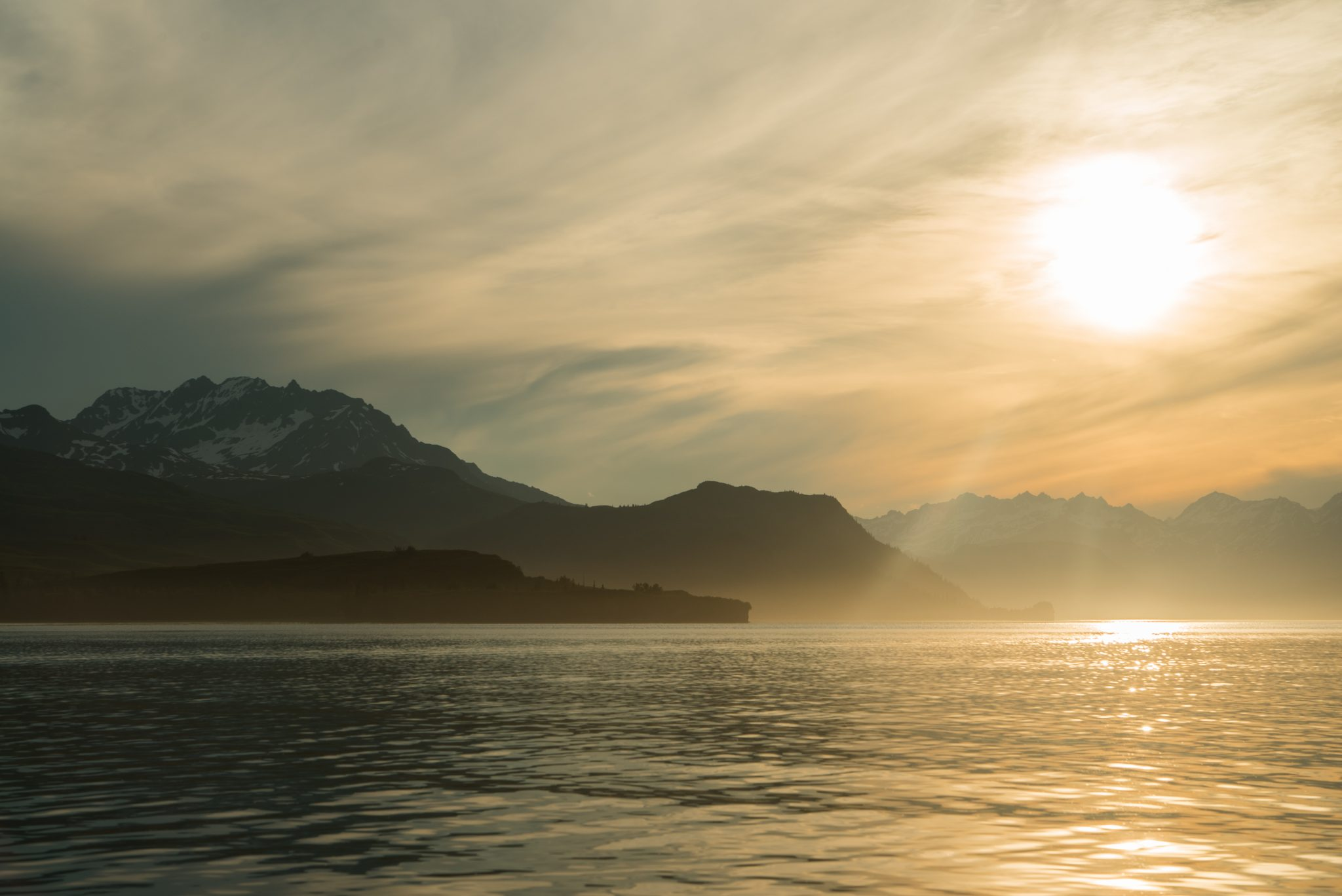 alaska-tuxedni-bay-sunset-mountains-snug-harbor-DSC06889